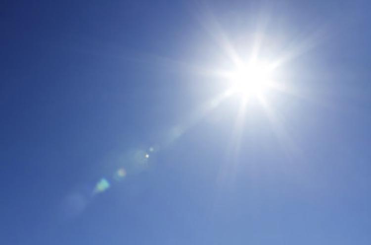 夏日が続く季節は熱中症に注意