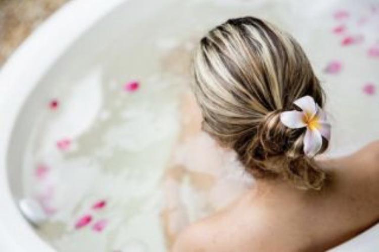 半身浴やマッサージで体を温める