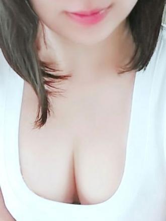 もえ【細身スタイル抜群☆白い可愛いS級天使】